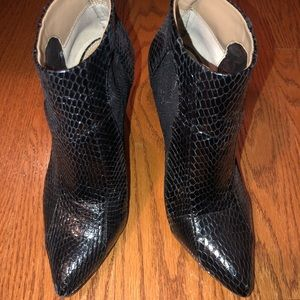 BCBG Maxazria snake and lace booties Sz 9M